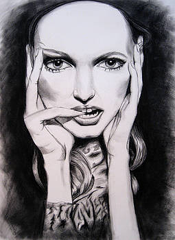Olivia in charcoal by Rachelle Dyer