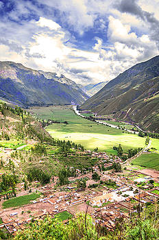 Eduardo Huelin - Ollantaytambo old Inca fortress in Cusco Peru