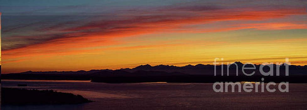 Olympic Mountains Sunset Panorama by Mike Reid