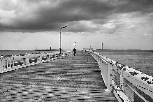 On the boardwalk 2 by Ingrid Dendievel