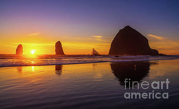 Oregon Coast Cannon Beach Sunset by Mike Reid