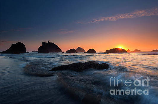 Mike Dawson - Oregon Islands Sunset