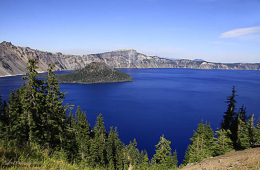Oregons Crater Lake by Larry Keahey