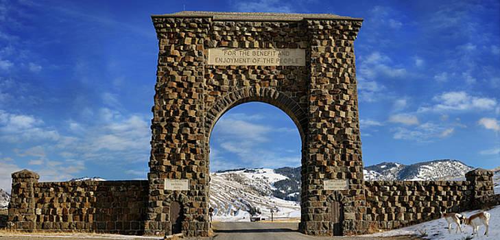 Reimar Gaertner - Original Roosevelt Arch North Gate to Yellowstone National Park
