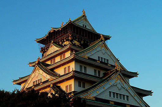 Osaka Castle near twilight by Baato