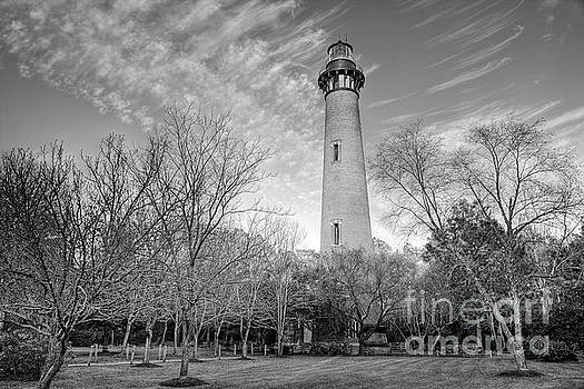 Dan Carmichael - Outer Banks Winter at the Currituck Lighthouse BW