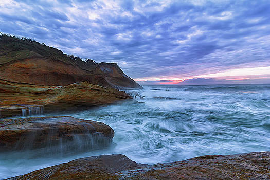 Pacific Ocean at Cape Kiwanda in Oregon by David Gn