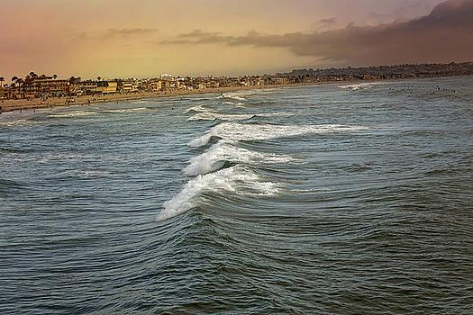 Pacific Ocean by Joenne Hartley