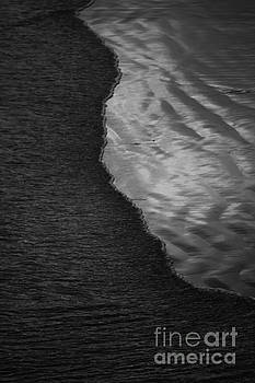 Pacific Ocean Wave by John F Tsumas
