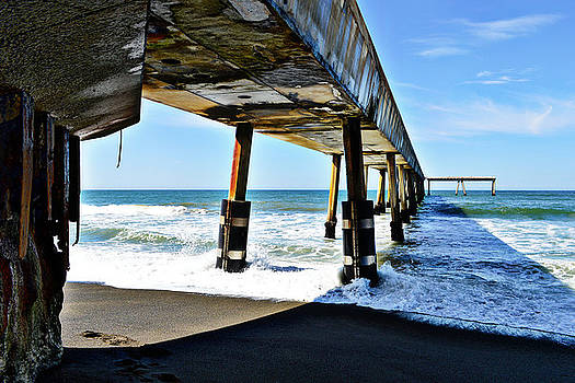 Glenn McCarthy Art and Photography - Pacifica Pier Perspective