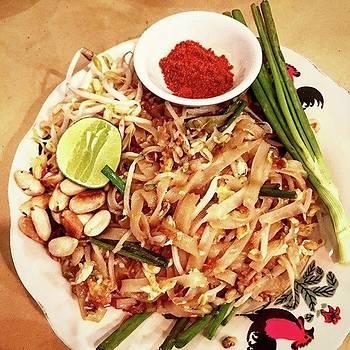 Pad Thai Tammada by Arya Swadharma