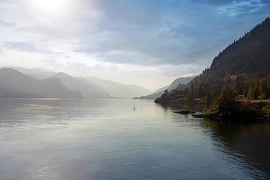 Paddle Boarding on the Columbia River by David Gn