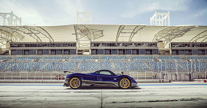 Pagani Zonda in Bahrain by George Williams