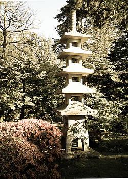 Eliza Donovan - Pagoda in Hagiwara Garden