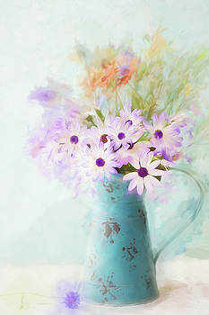 Painterly Spring Daisy Bouquet by Susan Gary