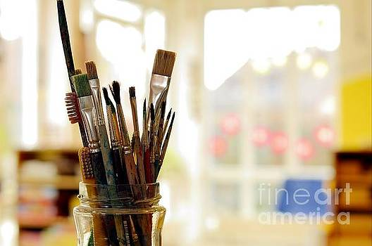 DT - Painting Art Brushes in the Jar