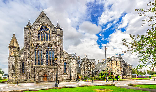 Paisley Abbey by Tylie Duff