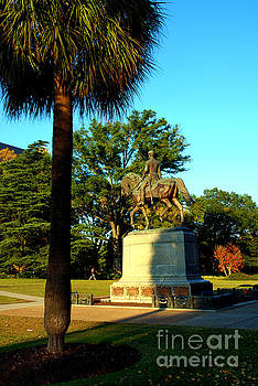 Susanne Van Hulst - Palmetto Tree and Statue of W Hampton in Columbia South Carolina