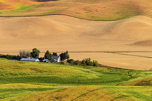 Palouse Farmhouse by Charlie Choc