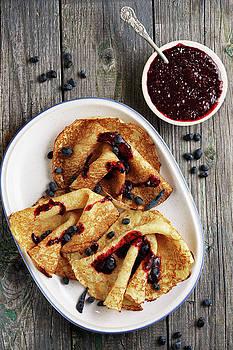 Pancakes with honeysuckle by Iuliia Malivanchuk