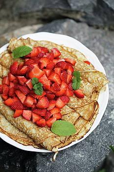 Pancakes with strawberries by Iuliia Malivanchuk