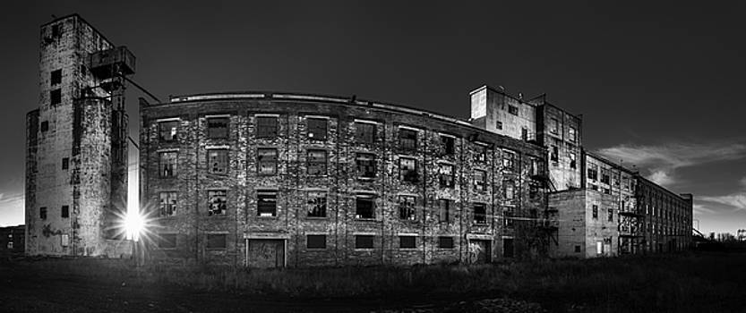 Pano of the Fort William Starch Company at sunset by Jakub Sisak