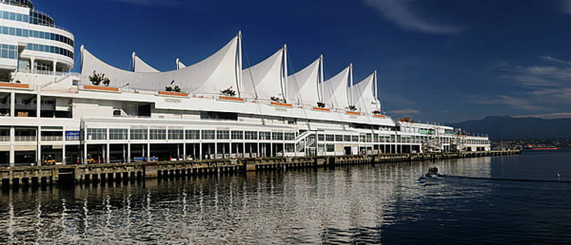 Reimar Gaertner - Panorama of Canada Place pier and sails with North Vancouver Coa
