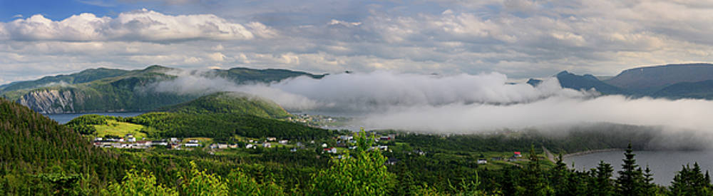 Reimar Gaertner - Panorama of low misty cloud a over Bonne Bay at Norris Point New