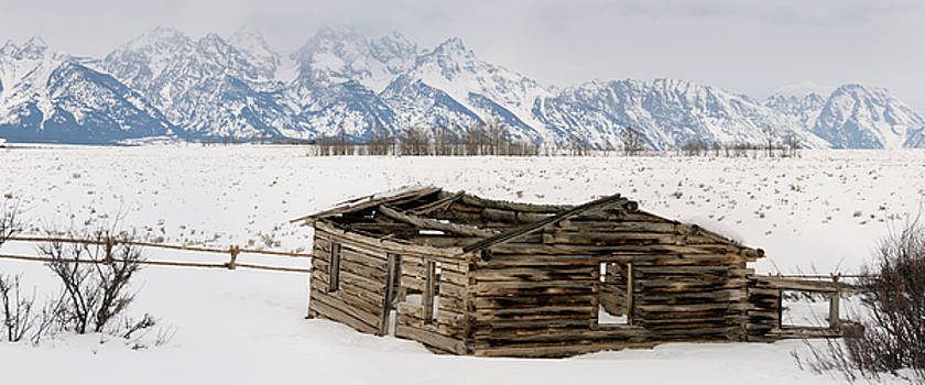 Reimar Gaertner - Panorama of the Teton Range mountains in Wyoming with collapsed
