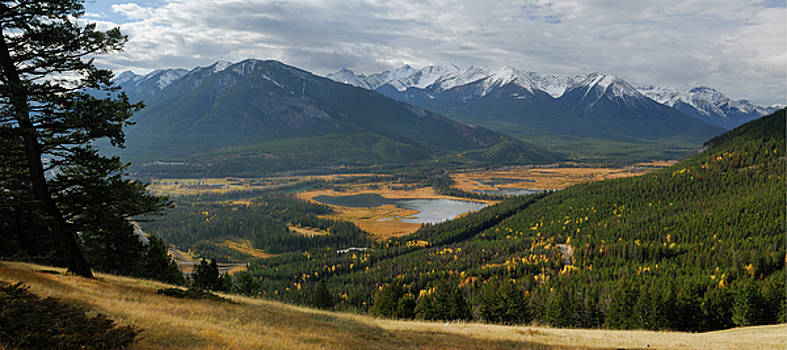 Reimar Gaertner - Panorama of Vermillion Lakes and Sulphur Mountain from Mount Nor