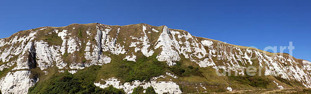 Panorami  image of a section of Chalk Cliffs above Samphire Hoe by John Gaffen
