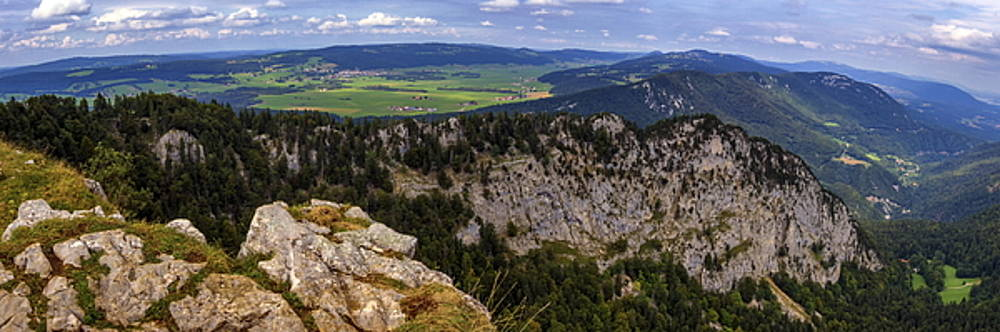 Elenarts - Elena Duvernay photo - Panoramic view from the Creux-du-Van or Creux du Van rocky cirque, Neuchatel canton, Switzerland