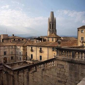 Panoramic View Of Girona's Barrí Vell by Stefano Bagnasco
