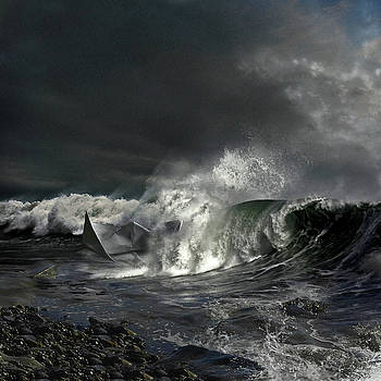 Paper Boat by Evgeniy Lankin