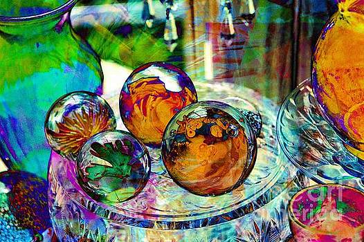 Paperweights in Abstract by Anne Pendred