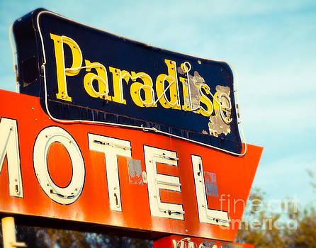 Sonja Quintero - Paradise Found on Route 66