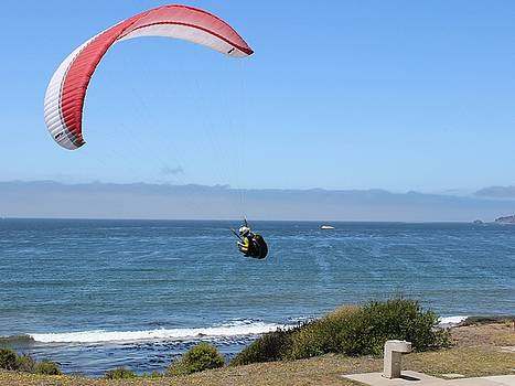 Gary Canant - Paragliding at Shell Beach