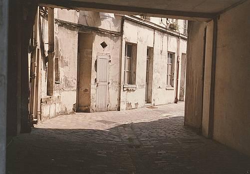 Paris alleyview by Dave Basara