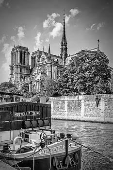 Melanie Viola - PARIS Cathedral Notre-Dame - monochrome