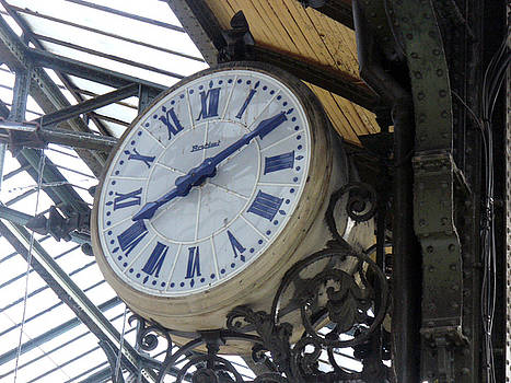 Paris Clock by Noelle  Kimberley