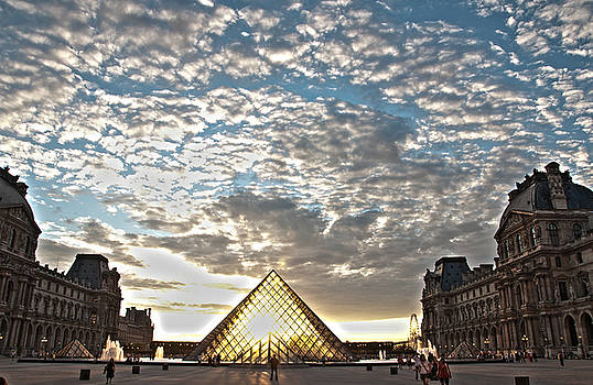 Paris Louvre by Freepassenger By Ozzy CG