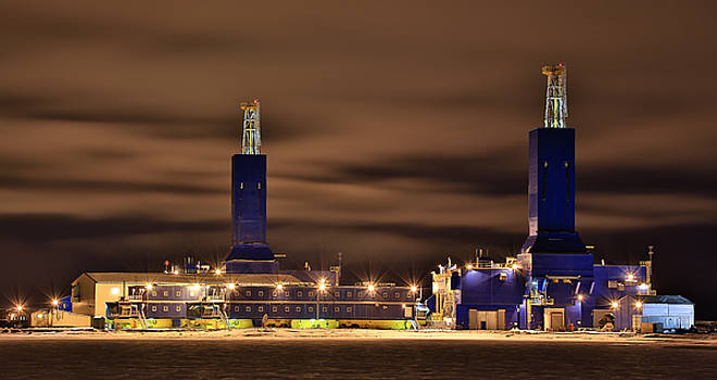 Parker Drilling Rigs In Prudhoe Bay Alaska by Sam Amato