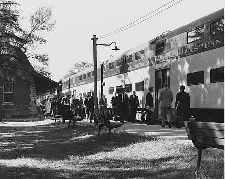 Chicago and North Western Historical Society - Passenger Loading at Glencoe Train Depot