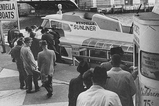 Chicago and North Western Historical Society - Passengers Board Wendella Sunliner - 1962