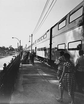 Chicago and North Western Historical Society - Passengers Depart From Station - 1961