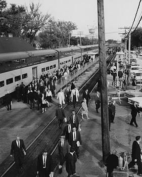 Chicago and North Western Historical Society - Passengers Disembark Chicago And North Western Train