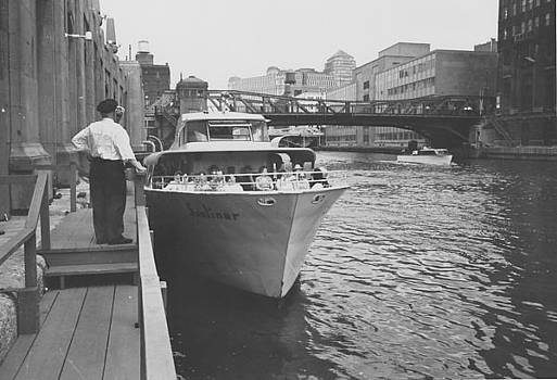 Chicago and North Western Historical Society - Passengers on Docked Sunliner - 1962