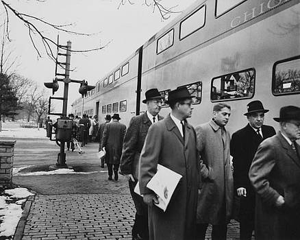 Chicago and North Western Historical Society - Passengers Step Off Diesel Engine - 1959