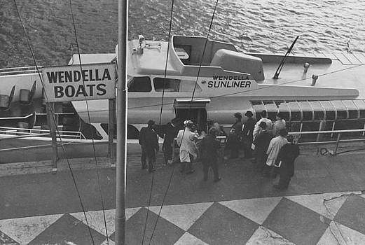 Chicago and North Western Historical Society - Passengers With Chicago Sunliner - 1962