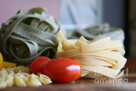 Pasta con Pomodoro 2 by Lynn England